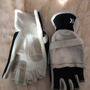 Accessories - Fingerless gloves